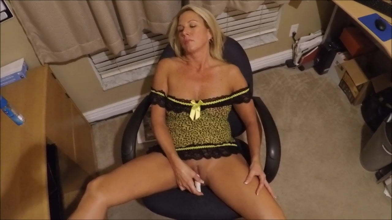 Wife Watching Cum Tribute