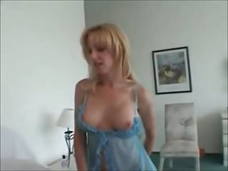 Woman jerk off man - Facial for a milf loves to see a man jerk off