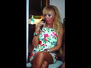Celebrity pantie upskirt She show pantie upskirt in tv