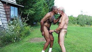 Interracial Daddies suck each other (GBMbjblownESMEv01)