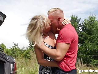 Young boy in long dick Horny old slut mia gets an extra long dick grandmams.com