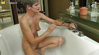 Mature amateur step mom having bath time