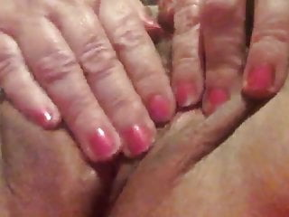 Free older woman pussy Gorgeous older woman playing with herself