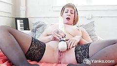 Yanks Babes Trish And Starlette Masturbating