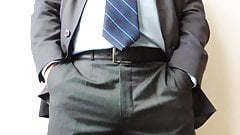 Me DaDDyBigBEAR Boss In Suit Cumshot
