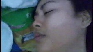 indonesia- pake kondom ngentot tante