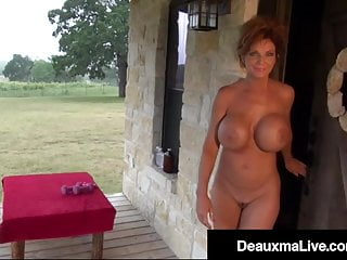 Nude in front of girls - Muscular mature deauxma works her nude body in front of home