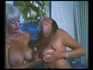 Boob orgy - Vintage threesome bigs boobs