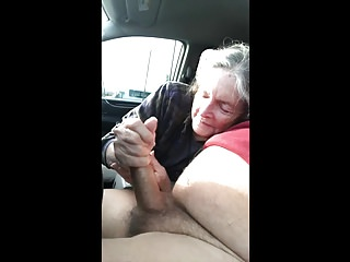 Grandma swallowing cum Grandma sucks in the car