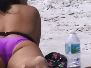 Voyeur beach crotches Candid voyeur friendly latina crotch shot 162, fat pussy
