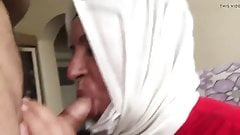 Turbanli olgun anne sakso cekiyor sik yaliyor azgin