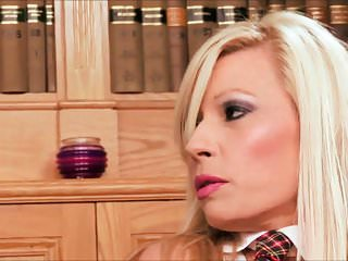 Coochie shaved - Michelle thorne enjoys a giant rod in her mouth then to her wet coochie