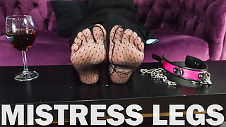 Mistress smears her wrinkled soles and toes with cream