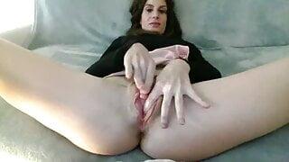 Beautiful pussy rub