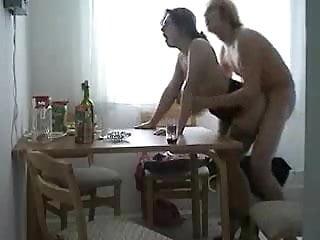Konkona sen sharma nude - Prise dans les sens sur la table de la cuisine