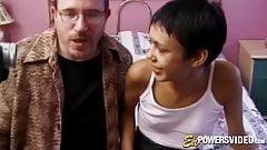 Skinny vixen Tamara auditions by banging for facial