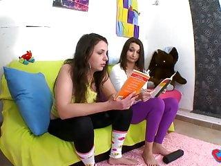 Teen gyne laws in pa - Melyne leona n est pas tres studieuse lors du campus tour