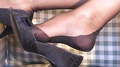 MILF Secretary in Fully Fashioned Nylons and Heels Part 2