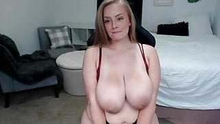 Big ass girl shows her ass and pussy