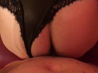 Dialoghi della vagina - Roxy italiana scopata a pecora e mugola con dialoghi