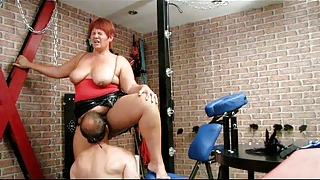 Annadevot - Licking slave