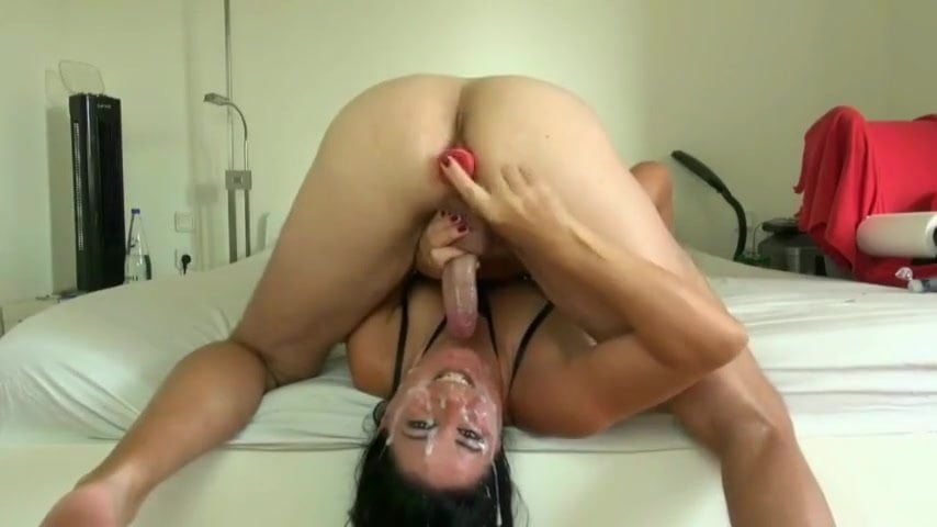 Girl Squirts While Fucking