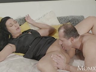 Squirting mature pussy Mom squirts her delicious pussy juices over him