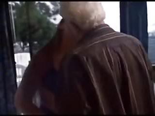 Peeing granny clips Zeer erotische clip van oud stel