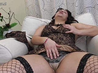 Porn hairy snatch - Chubby arab mom loves a big dildo up her hairy snatch