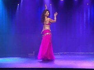 Boobjiggle naked belly dancer - Curvy muslim arab belly dancer