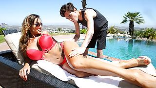 Curvy MILF Aubrey Black Makes Out With The Pool Boy