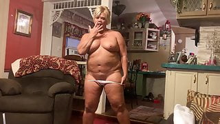 Sexy Southern Blonde Chubby MILF Naked In her Living Room