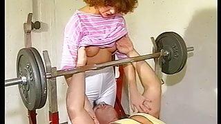 Der Michael fickt die kleine Sau im Hamburger Fitness Studio