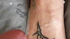 Mutual masturbation couple and cum on her sexy feet