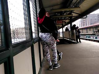 Vintage floral vine wallpaper Bubble booty latina in floral leggings