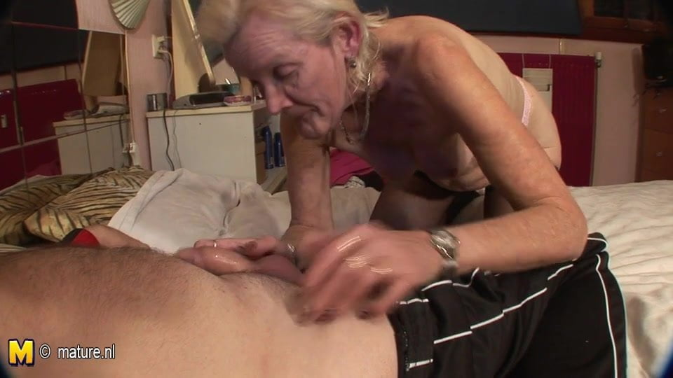 Very old granny fucked