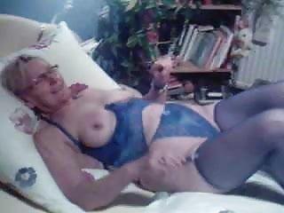Pasareti ut sex - Ute mit dildo