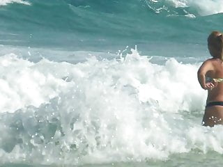 Gay cum eating video bloopers Patricia and a bloopers on the beach