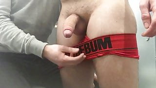 Straight jock gets jerked off and cums in less than 2 minute