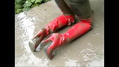 Sasja in muddy red thigh boots!!!