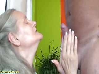 Granny and big cock sex First time rough sex for 92 years old granny