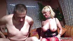 MILF Nachbarin mit Mega Titten fickt wenn Typ nicht da ist