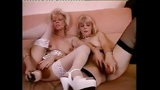 FRENCH MATURE n56 two blonde lesbian step moms