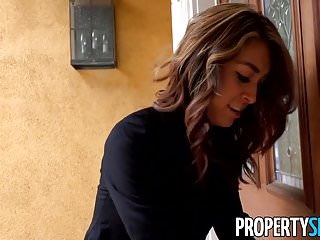 Funny real sex Propertysex - fucking incompetent real estate agent outdoors
