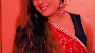 Bangladeshi Hot Aunty Dance