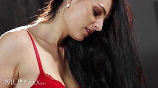 MOMxxx Bianka Blue and Leanne Lace romantic lesbian sex