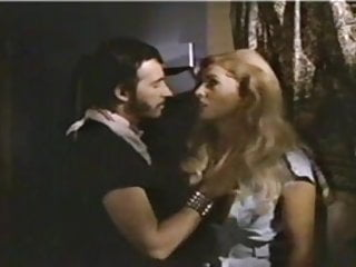 Is edie long gay Edy williams - hellhole