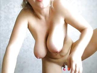 Boobs jiggle video Jiggling boobs