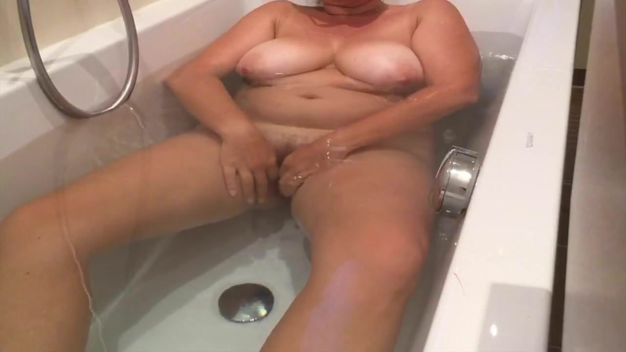 Voyeur recordings of beautiful mature woman office ladies masturbation