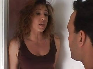 Neighborhood mom sex - New milf in the neighborhood loves drinking the cum of the man next door